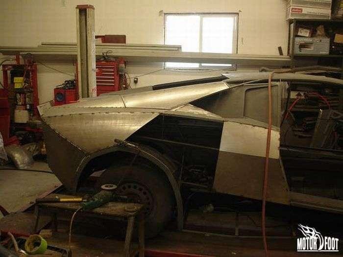 80006 - Convertir de Pontiac a Lamborghini Reventon